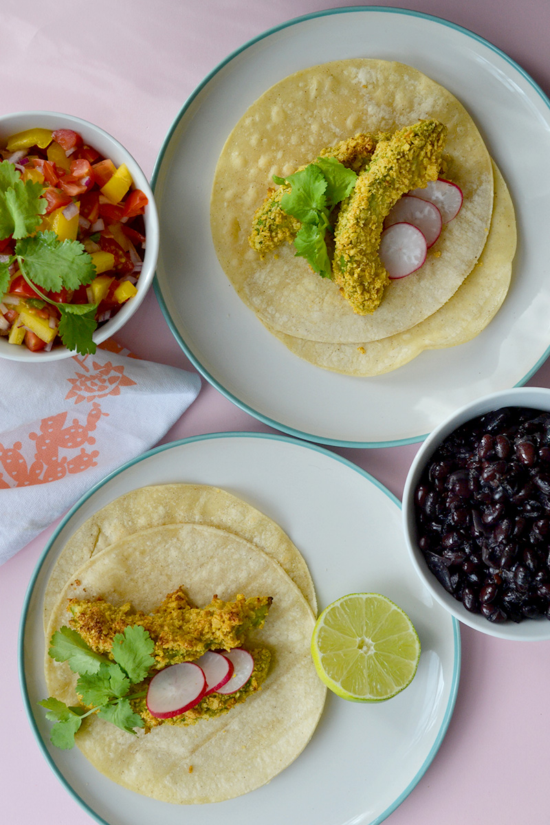 AVOCADO TACOS | Creamy on the inside, crunchy on the outside {laurathomasphd.co.uk} 3