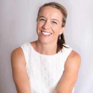 EP69 – How to Have a Non-Diet Holiday Season w/ Fiona Sutherland of The Mindful Dietitian